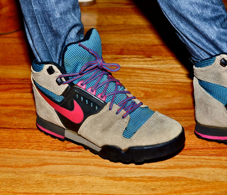 nike suede hiking boots