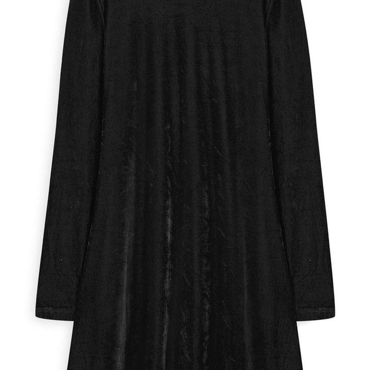 Vestido con vuelos de terciopelo negro  Categoría:#primark_mujer #ropa_de_mujer #vestidos en #PRIMARK #PRIMANIA #primarkespaña  Más detalles en: http://ift.tt/2hhFzy4