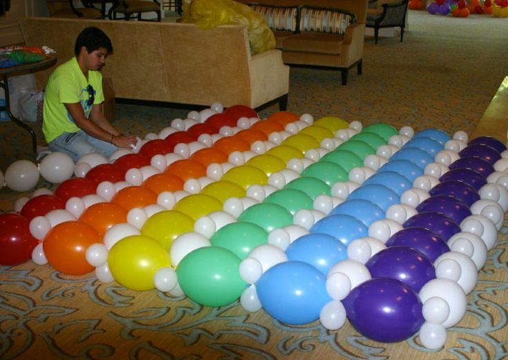 17 best ideas about balloon wall on pinterest balloon for Balloon decoration how to make