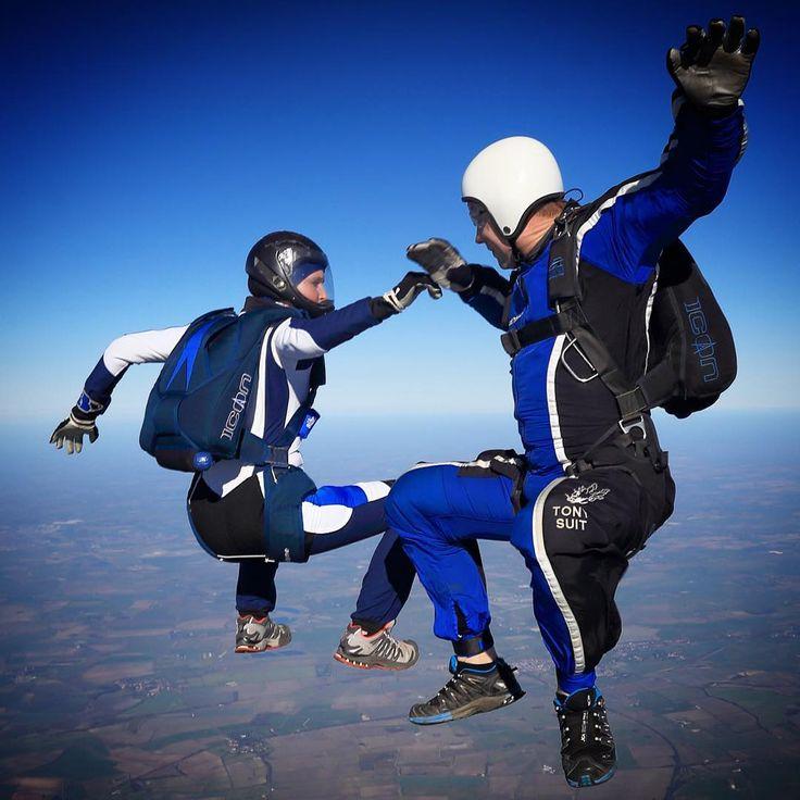 skydiving gear - http://www.motorhomepartsandaccessories.com/skydivinggear.php
