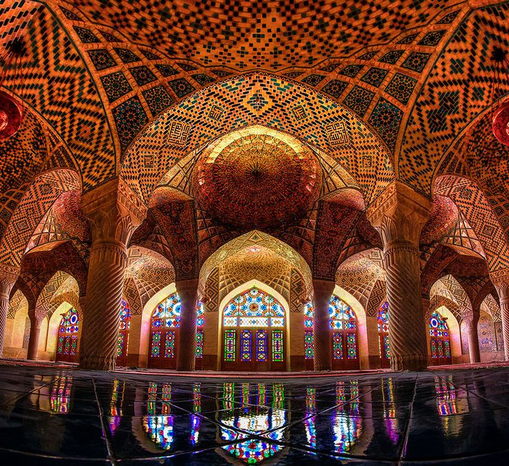 Every Morning, This Stunning Mosque Is Illuminated With All Of The Colors Of The Rainbow | Bored Panda