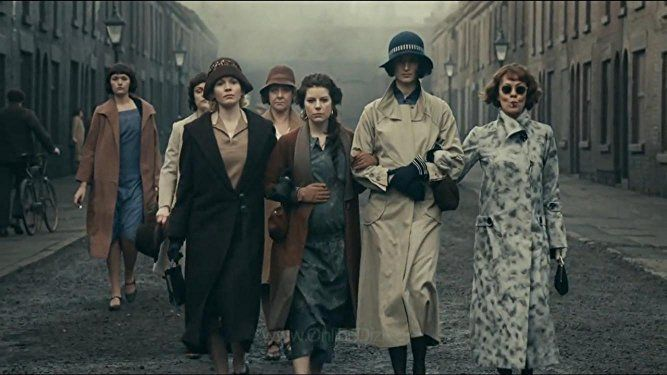 Helen McCrory, Sophie Rundle, Aimee-Ffion Edwards, Natasha O'Keeffe, and Kate Phillips in Peaky Blinders (2013)