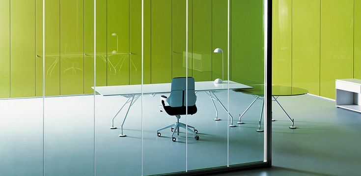 Tecno Italy: executive table Nomos, Foster & Partners designers