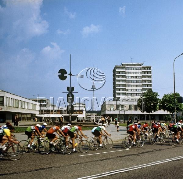 Велогонка на улице Архитекту