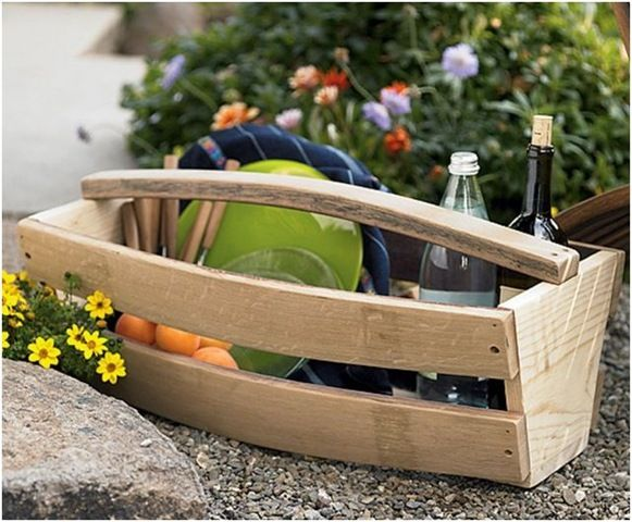 Neat and stylish wood tote for a picnic in the backyard.
