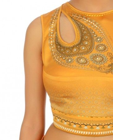 Pretty saree blouse with unique design