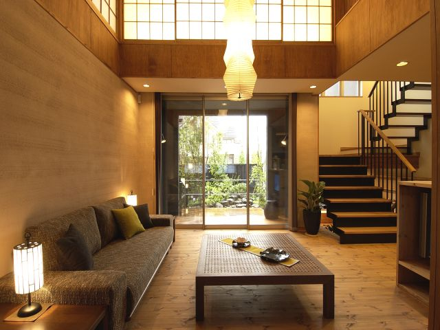 和モダン(Japanese Modern) 日本の伝統的な和紙や竹、無垢材といった素材やインテリアを、現代の生活に合わせてモダンにアレンジしたスタイルのこと。格子のような直線的でシンプルなデザイン、シックで落ち着いた色調などが特徴。