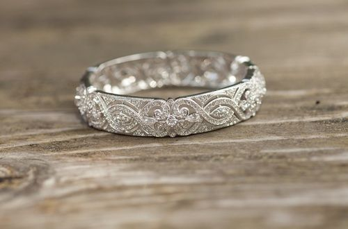 The most gorgeous wedding band I've ever seen