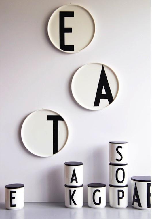 Arne Jacobsens typo på porslin.
