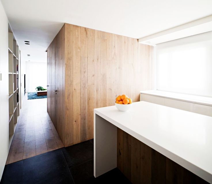 Home Design, Gorgeous Vivienda En Arnedo Home Kitchen Idea Furnished With White Island And Base Cabinet To Show Citrus: Fantastic Modern Contemporary House Design Ideas With Monochrome Theme