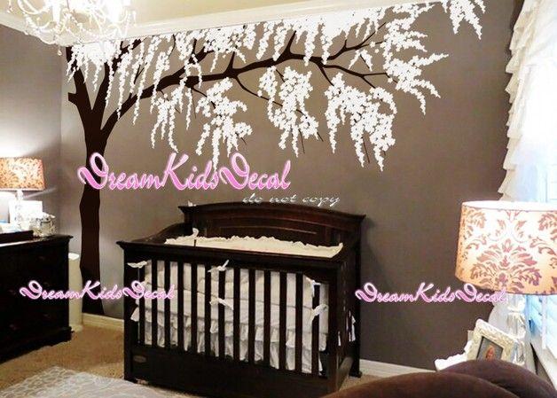 ***Spezialangebot***  ***zum Verkauf***  Baum Wandtattoo perfekt für Ihren Kindergarten oder Kinderzimmer!   Der ganze Baum approx.200cm hoch.  Die Abziehbilder können umgekehrt / gespiegelt...