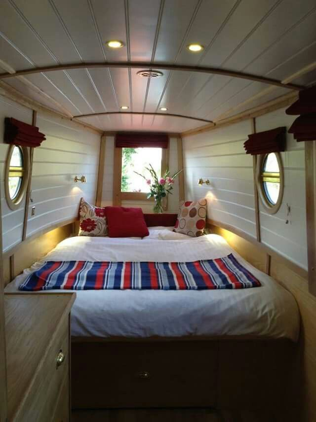 Lovely bedroom idea! Could have storage space above the head I.e. Tissues.