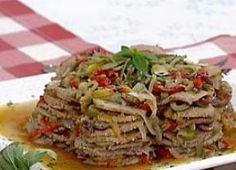 Lagarto na cerveja: carne fatiada ao molho de pimentões - Gastronomia - Bonde. O seu portal