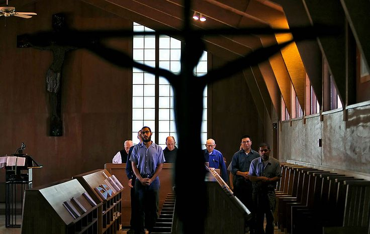Vina, Calif. — Seven times a day, starting at 3:30 a.m., the Trappist monks at the Abbey of New Clairvaux gather in prayer.    PHOTOGRAPH BY: ROBERT GAUTHIER / LOS ANGELES TIMES