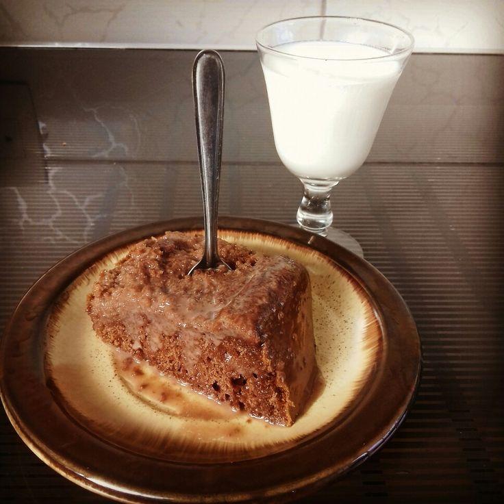 Café da Tarde com Bolo chocolate  e Leite Puro! Seria Boa Combinação?