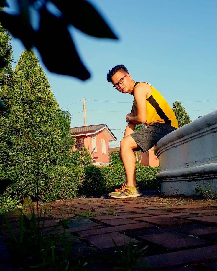 Warming para sa susunod na akyat. Trilogy na. :-) . . . . . . #pinoy #librarian #probinsyano #jogging #notetoself #sunkissed #morning #tuesday #quotes #pinas #takbo  #selftimer