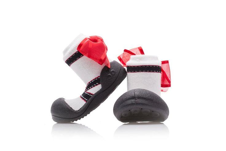 Uroczo dziewczęce buciki - skarpetki Attipas Balet Black