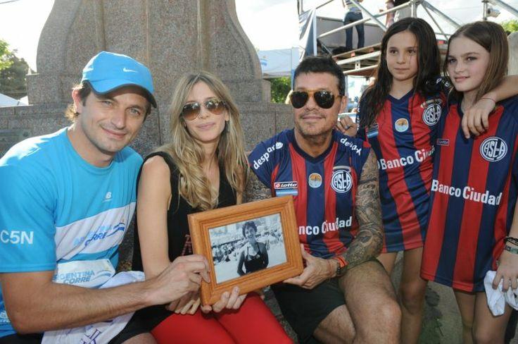 "En familia: la tarde de Tinelli junto a Valdes y su hija Juana antes de ""Argentina Corre"" http://www.ratingcero.com/c111284"