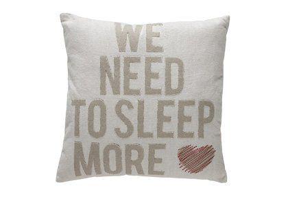 At Home With Marieke Sierkussen Sleep More zand