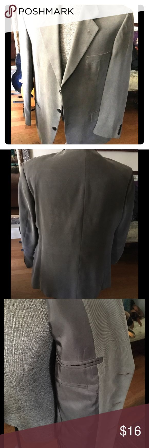 Mens Blazer Sportcoat Silky to touch. Very fluid in its drape. Flap or slit pocket styling shown in first pic. Taupe/black weaving pattern. 42R. Suits & Blazers Sport Coats & Blazers