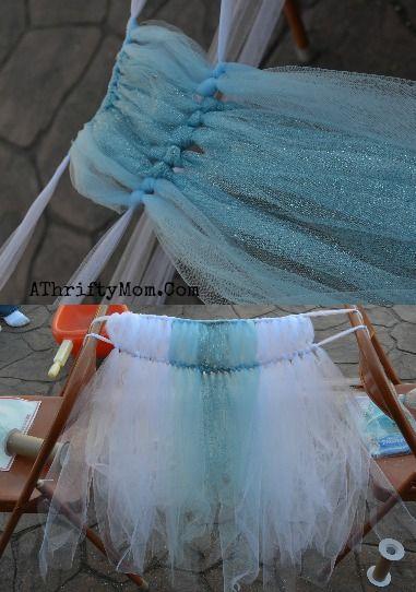 Frozen Elsa Dress, How to make a Disney Frozen Elsa Dress with NO SEWING and made for UNDER $10, #Frozen, #ElsaDress, #ElsaCostume