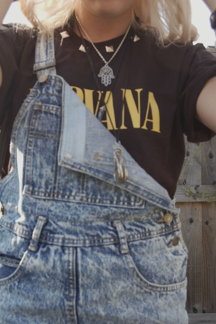 Grunge Style! Overalls and Nirvana.. Yes. | Outfits Love | Pinterest