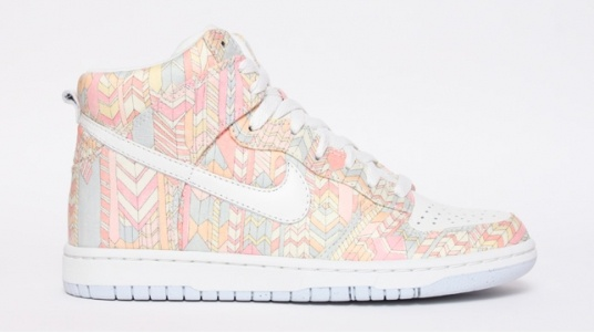 newnike.co.at.tf #nike shoes 2014   NEW STYLE NIKE FREE, 75% discount off---$60.99, You can't tell me you hate these,