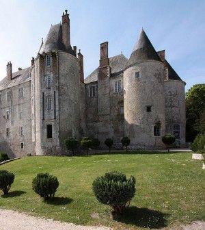 Escapade au XVIIIe siècle au château de Meung-sur-Loire http://www.my-loire-valley.com/2013/08/escapade-xviii-siecle-chateau-meung-sur-loire/
