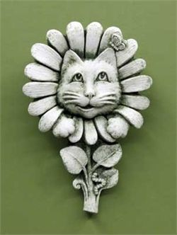 Товар #: 1235 Эта кошечка думает, что он будучи хитрым, высовываясь через ваши цветы. Обратите внимание на мельчайшие детали; бабочка на ухо и Inchworm прошел путь стебля цветка! Цена: $ 34.00 Вес: 2,00 фунта Размеры: W 4.00x H 6.00x D 1.25 Состав: рука литой камень Feline в цветах