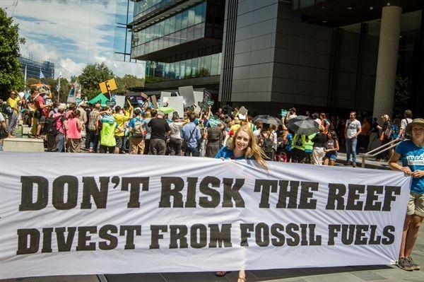 Groot Barrièrerif: megakolenmijn op de helling   Milieubescherming   Greenpeace België