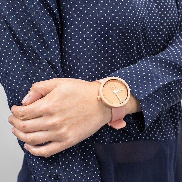 Classic White Peach  #thewatchco #aark #aarkcollective #cool #design #timepiece #watch #minimalist