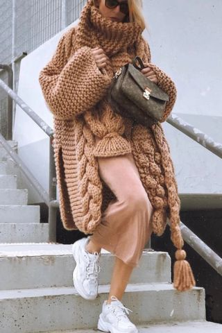Fashion Pile Collar Solid Color Twist Irregular Sweater 1