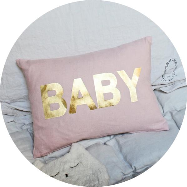 coussin 'baby' doré .:serendipity.fr:.