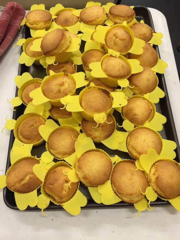 GF bee cupcakes