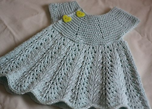 Ravelry: DeeMka's Yellow heart. A personal pattern- not available