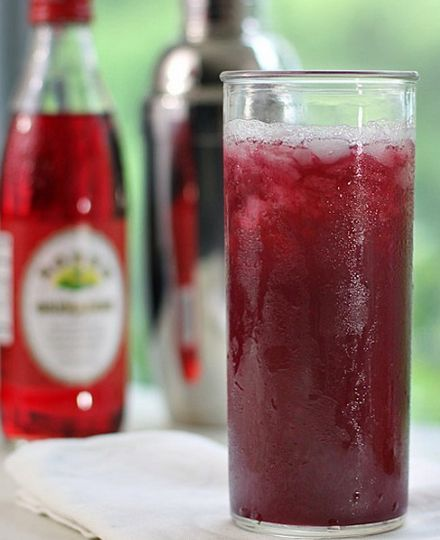 Vampires Dream Cocktail - This sweet and fruity rum cocktail makes the night go with a punch - Click pic for tutorial