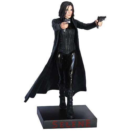 Underworld Selene 1:9 Scale SDCC 2013 Exclusive Statue - Hollywood Collectibles Group - Underworld - Statues at Entertainment Earth