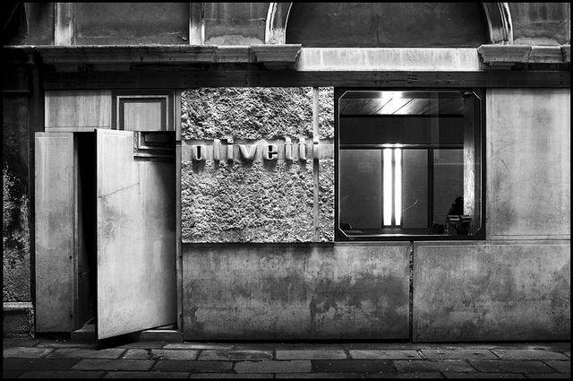 carlo scarpa, Olivetti showroom - venice [1957 - 1958] #15 by d.teil, via Flickr