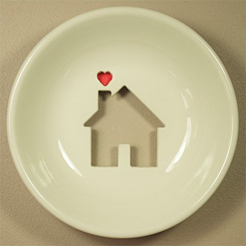 House plate: Tiny House, Chik Design, Presents Idea, For Kids, Little House, Wall Plates, House Plates, Kids Boys, Housewarming Gifts