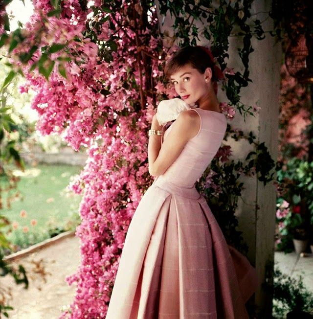 Audrey Hepburn, US Glamour, 1955. Fashion Photography of 1950s by Norman Parkinson