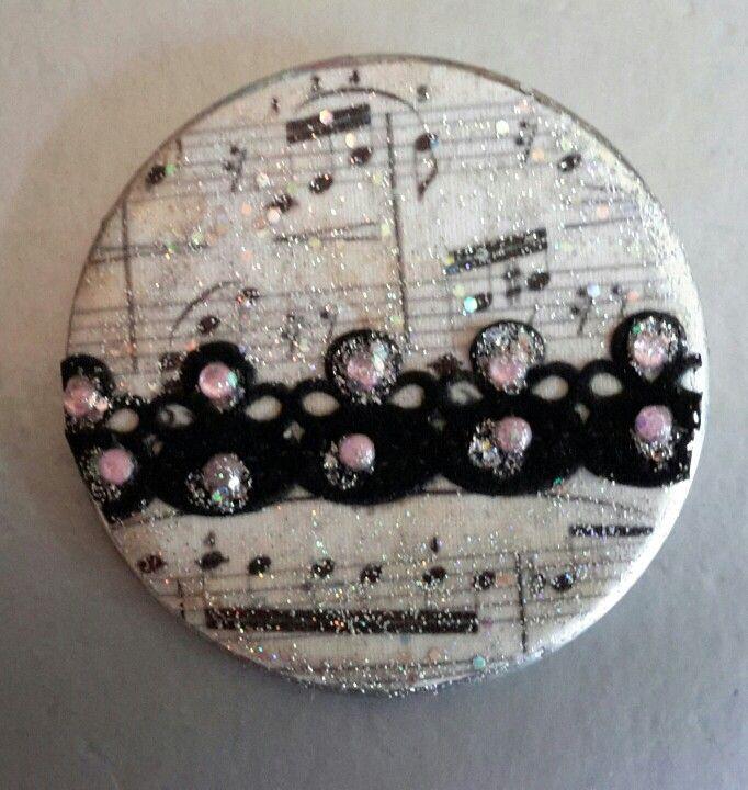 A musical pins