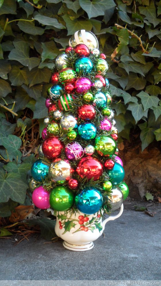 Best 25 bright christmas decorations ideas on pinterest for Christmas ball craft ideas