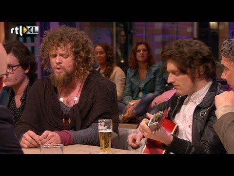 Di-rect ontroert Humberto met All In Vain - RTL LATE NIGHT - YouTube