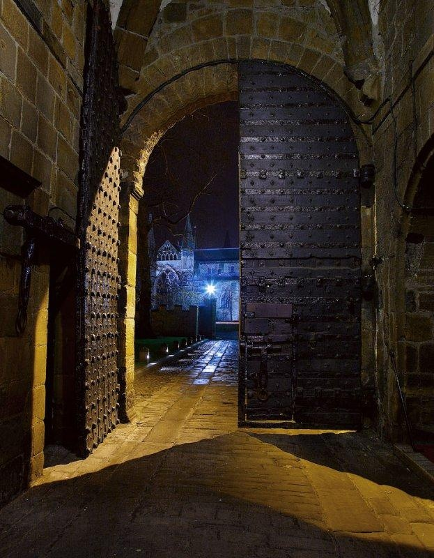 University entrance door facing Durham Cathedral - Steve Highfeld