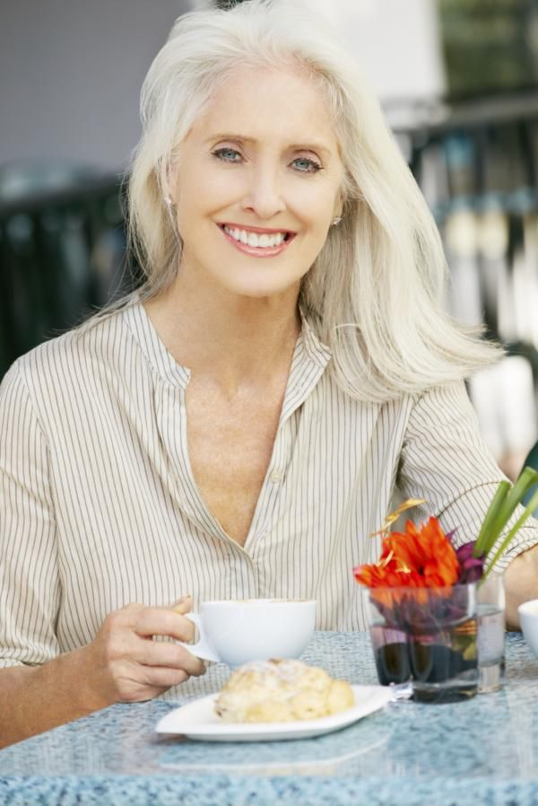 Shade of blonde for your age: in your fifties and over
