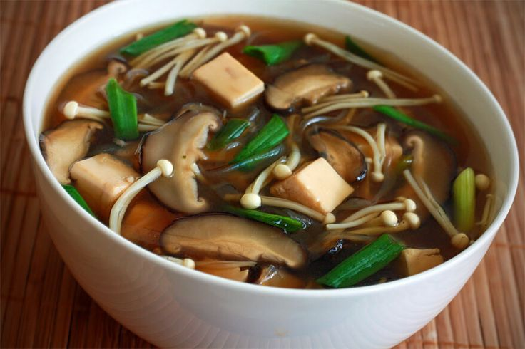 Authentic and delicious recipe for Japanese shiitake and enoki mushroom, tofu and vermicelli soup in a flavorful mirin-sake broth.