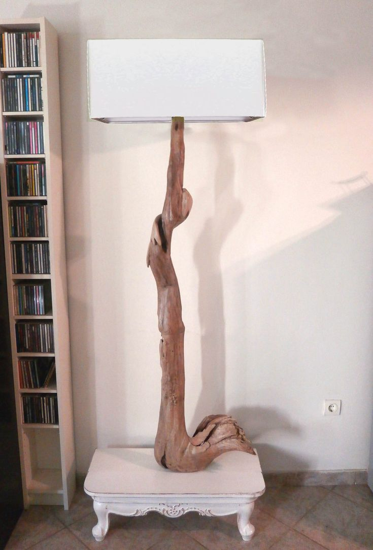Driftwood floor lamp . WING 2,00cm height. Find more at www.ddesignf.weebly.com or Etsy https://www.etsy.com/shop/DizieDesignF