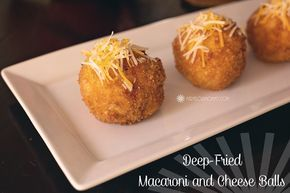 Copycat Cheesecake Factory Fried Mac and Cheese Balls from Marvelous Mommy....oh my these look amazing! #appetizer #recipe #apeekintomyparadise