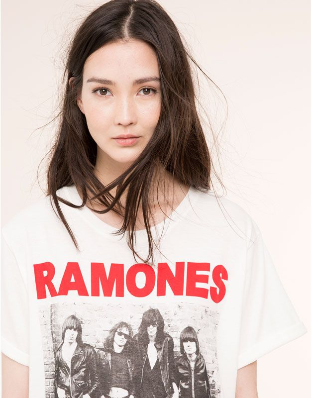 Pull&Bear - femme - t-shirts et tops - t-shirt « ramones » - glace - 09231395-I2015