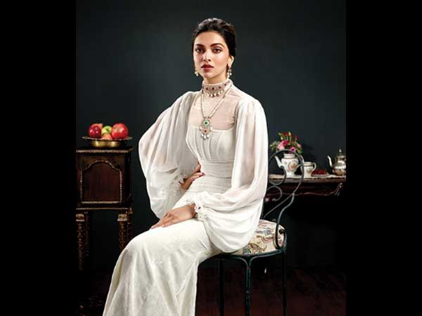 @deepikapadukone​ Looks Royal In Regalia At The Photoshoot For @TanishqJewelry #royal #bollywoodactress #fashion